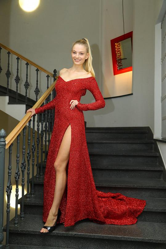 Tereza bojovala v šatech návrhářky Petry Pilařové.