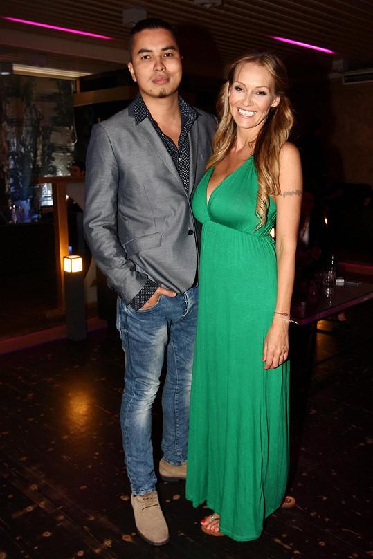 Martina Gavriely na Playboy párty s přítelem Marcusem Tranem.