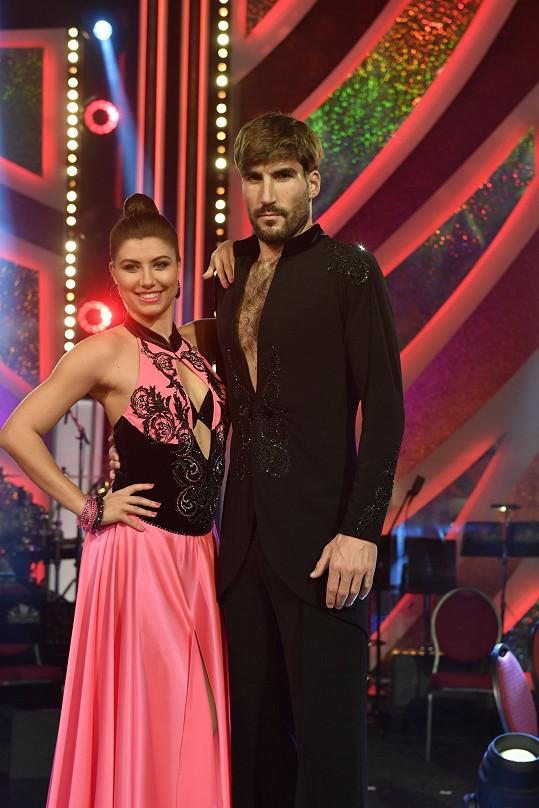 Veronika Lálová a David Svoboda si od poroty vytančili nejvíce bodů. Tanečnice se ale při paso doble zranila.