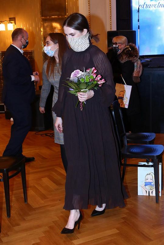 Účastnila se fináleho večera, který se předtáčel v náchodském divadle.