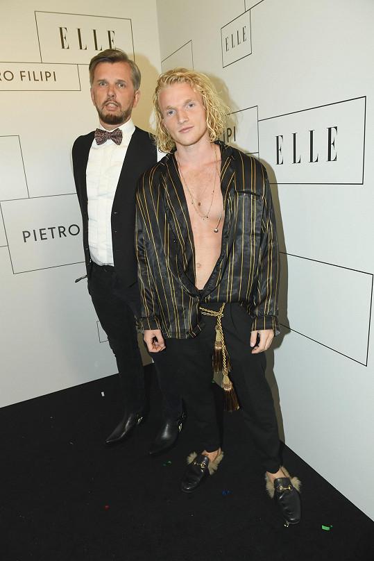 Richard Hrádek (vlevo) s Danielem Pachlem, který se extravagance nebál.