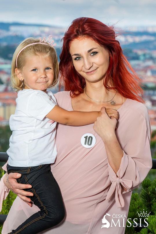 Michaela Bednářová se svým blond andílkem