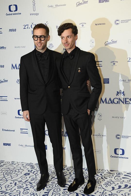 Jan Cina s partnerem Petrem Vančurou (vlevo)