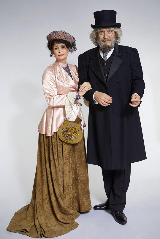 Jašków se Schneiderovou jako Petr Hapka a Hana Hegerová