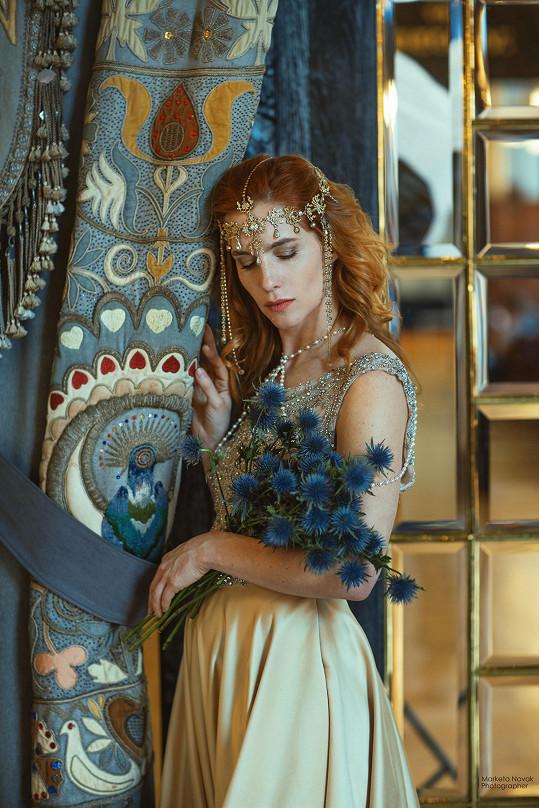 Vagnerová se vtělila do secesní krásky.