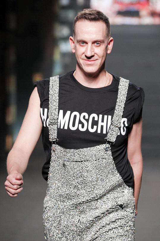 Jeremy Scott, kreativní ředitel značky Moschino, který stojí za vznikem kolekce Moschino [tv] H&M.