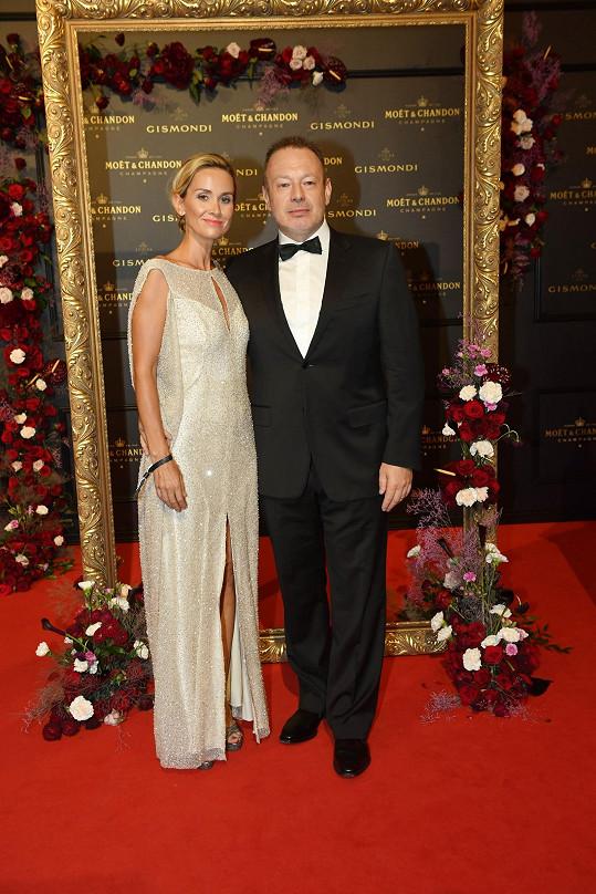 Rodinu založila s hudebníkem Michalem Dvořákem z Lucie.