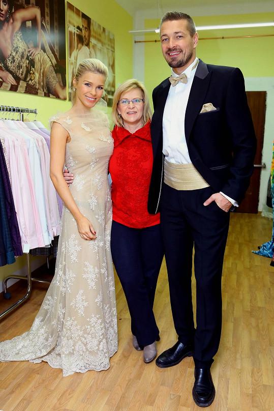 Jáklovi s návrhářkou Jiřinou Tauchmanovou