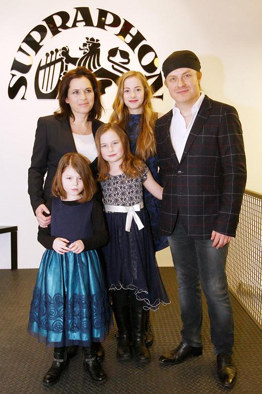 Rodina v kompletní sestavě