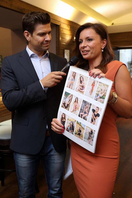 Představoval i kalendář Miss Face s fotografiemi Nikoly Bílkové.