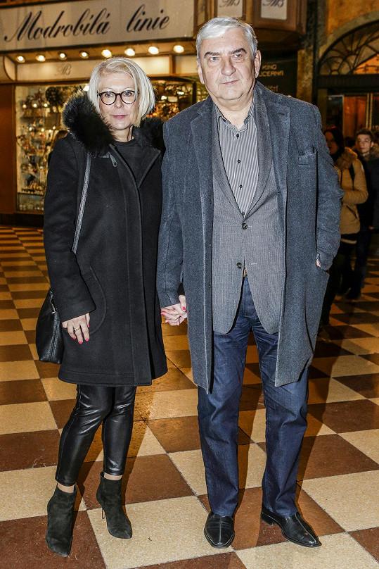 Se svou paní dorazil i herec Miroslav Donutil.