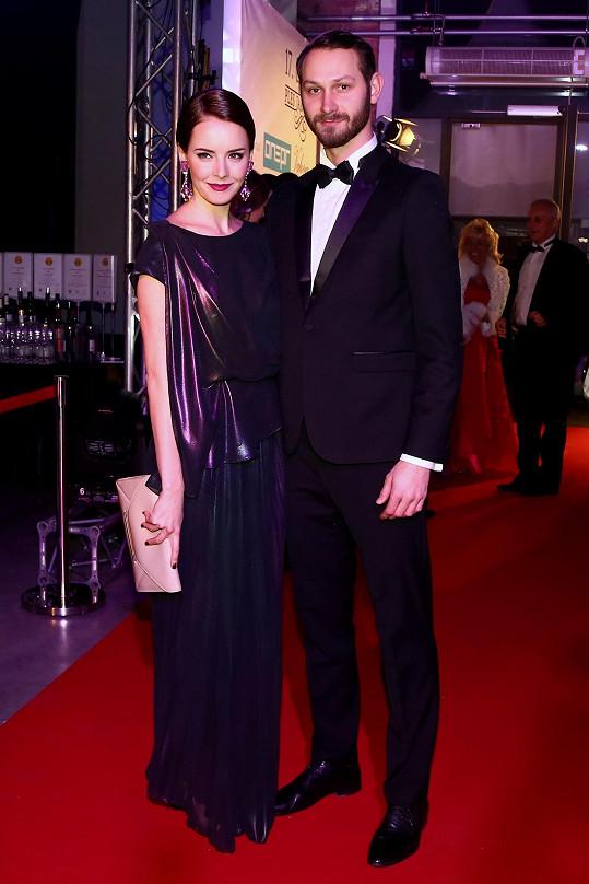 Gabriela Kratochvílová dorazila se snoubencem.