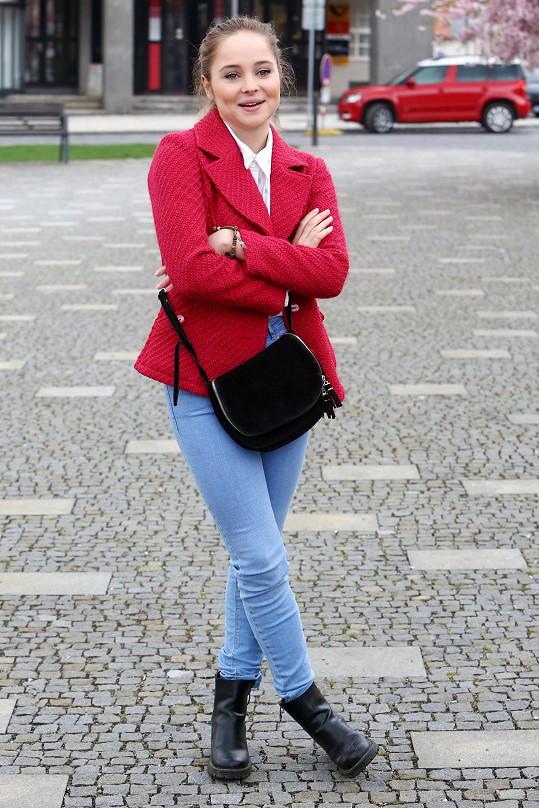 Anastázie Chocholatá má na kontě řadu seriálových rolí.