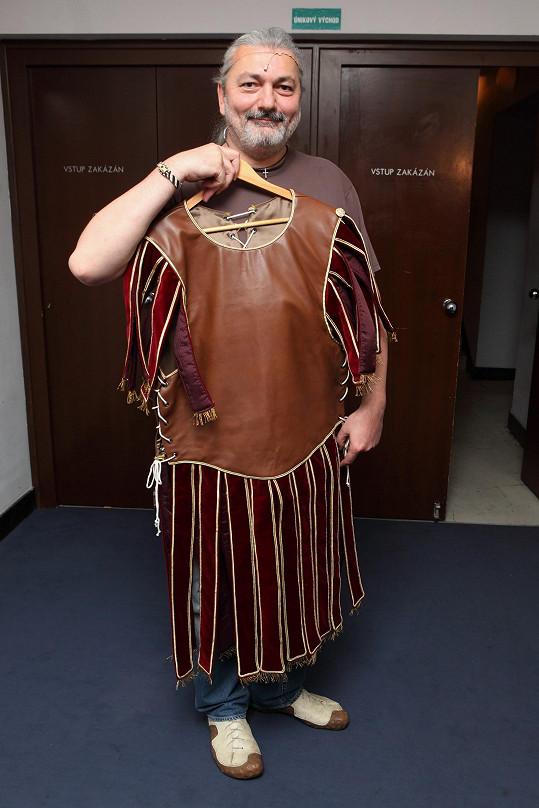 Dan a jeho nový muzikálový kostým