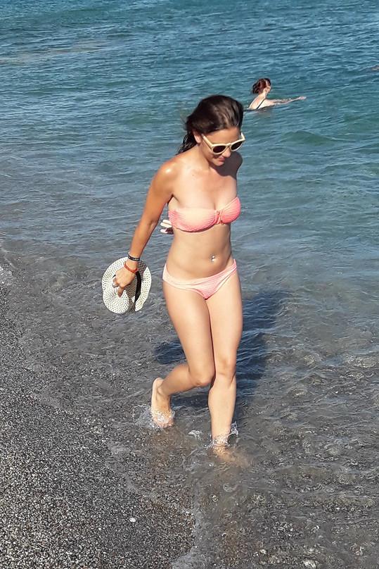 Ivana Korolová se ukázala v plavkách.