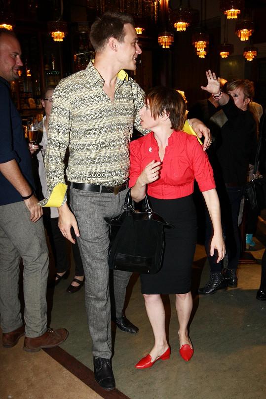 Dvojice na párty po filmu Andělé všedního dne