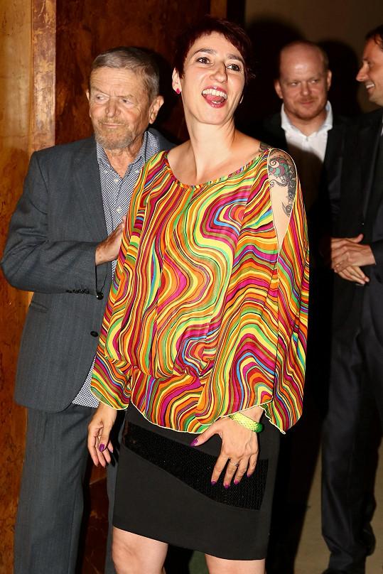 Někteří si s výběrem oblečení pro tento večer hlavu nelámali. Třeba královna second handů Simona Babčáková.