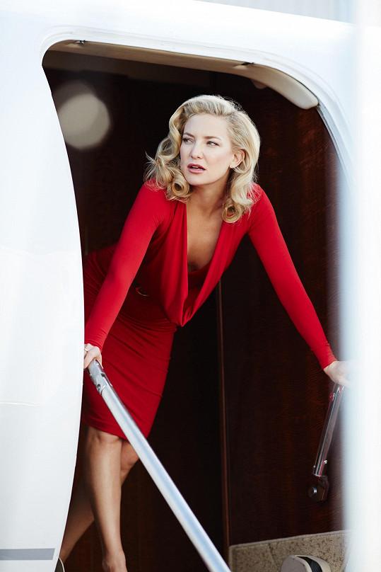 Hollywoodská blondýnka ztvárňovala hořkosladké úhly pohledu.
