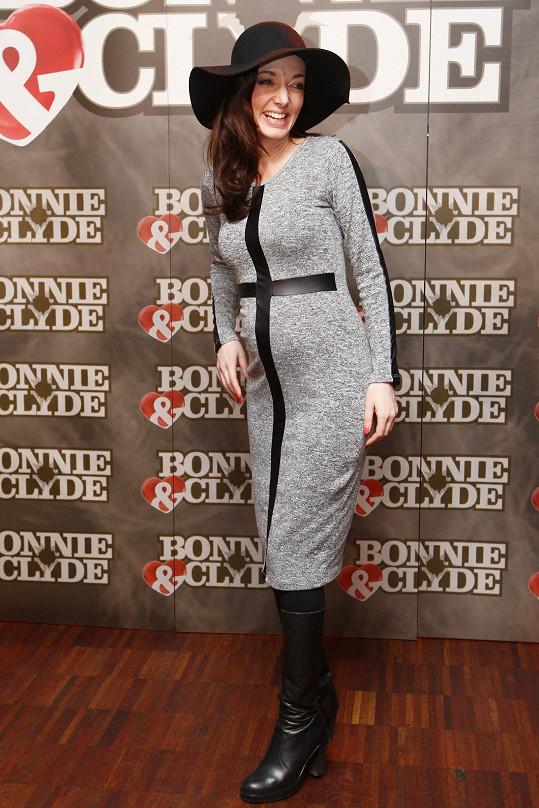 Zpěvačka se neděsí toho, že krátce po porodu by měla hrát hlavní roli v muzikálu Bonnie & Clyde.
