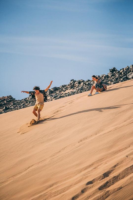 V dunách