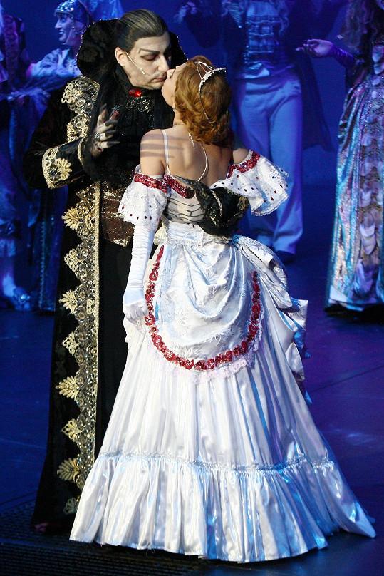 Marian s Natálkou při představení Plesu upírů