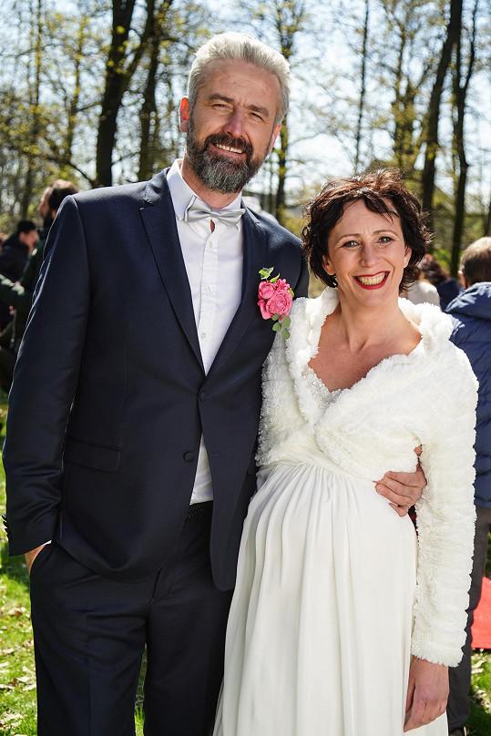 Kristýna Frejová si poprvé vyzkoušela roli nevěsty. Zatím se nevdávala ani ve skutečnosti, k oltáři nepospíchá.