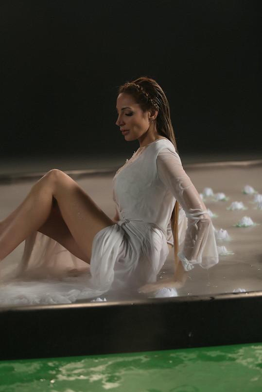 Videoklip natáčela zpěvačka 2 dny.