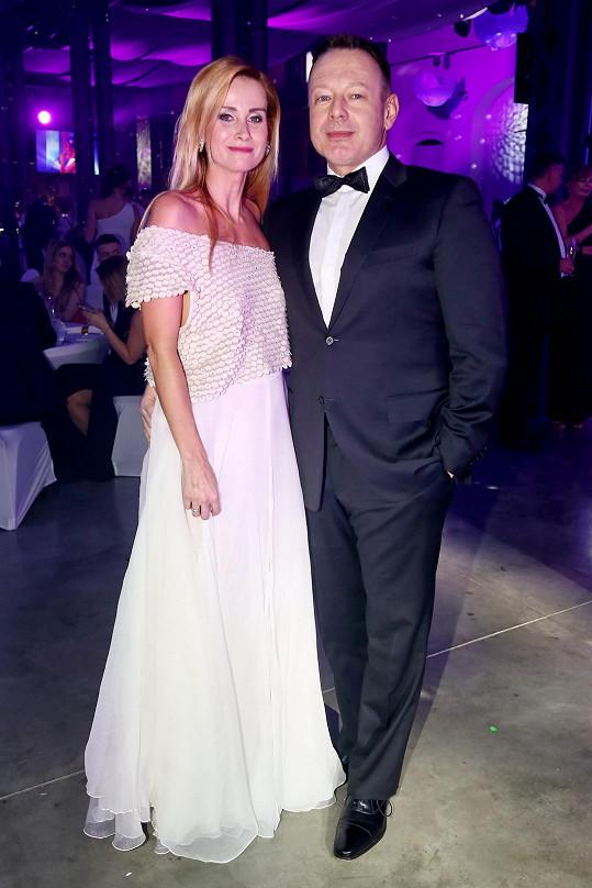 Plesu jako Brno se zúčastnil i Michal Dvořák s manželkou Lucií.