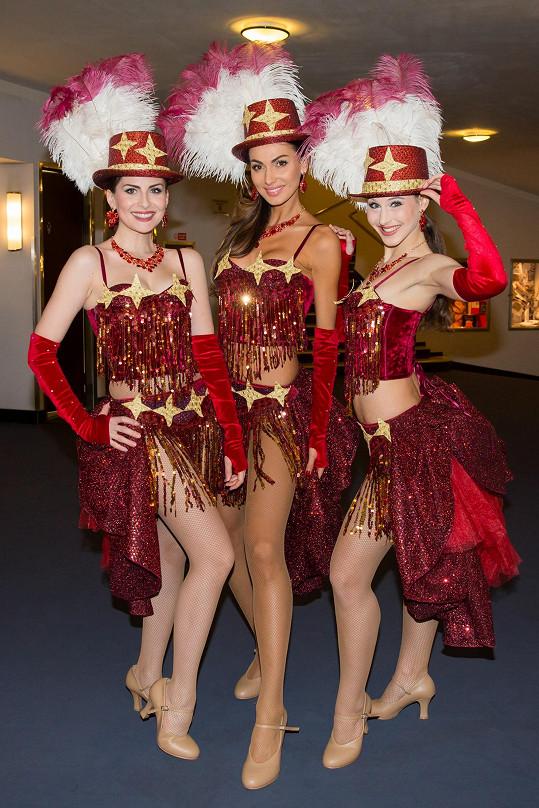 V muzikálu Kvítek mandragory se objeví jako pěvecké uskupení DreamGirls.
