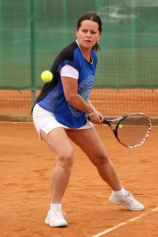 Adriena Sobotová hrála tenis na turnaji celebrit.
