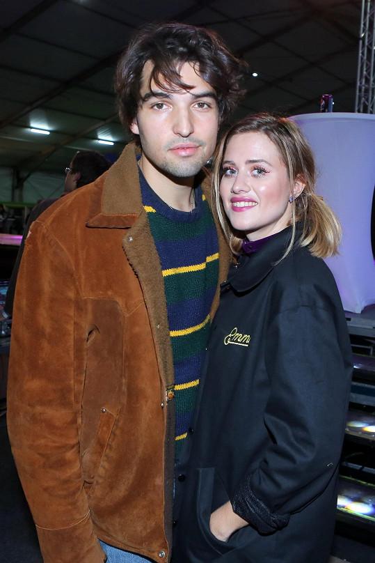Emma Smetana s partnerem Jordanem Hajem