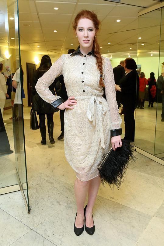 Do krásného modelu se oblékla i její snacha Nikol Kouklová.