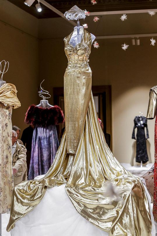 Svatební šaty, ve kterých se Dagmar Pecková vdávala.