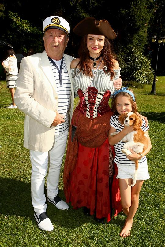 Petr Janda s manželkou Alicí a dcerou Rozárkou