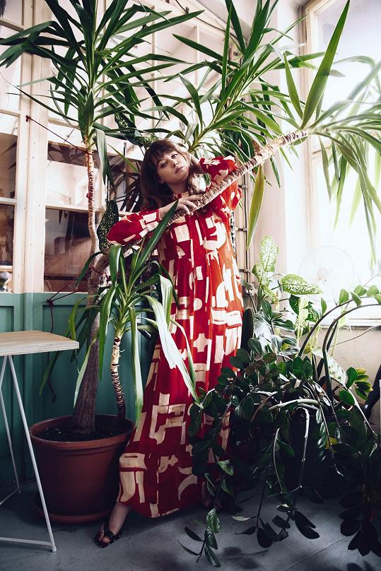 Boková fotila v kolekci H&M Studio, která je inspirovaná Japonskem.