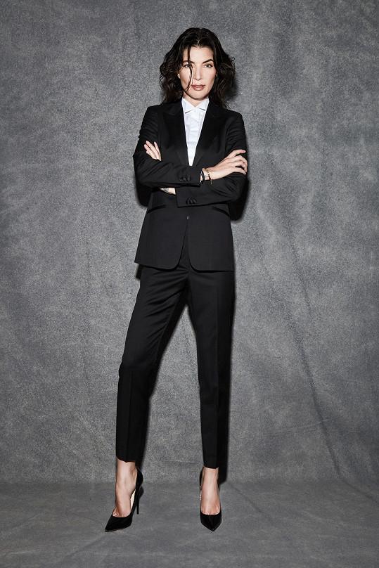Monika v kampani na obleky Filipa Vaňka.