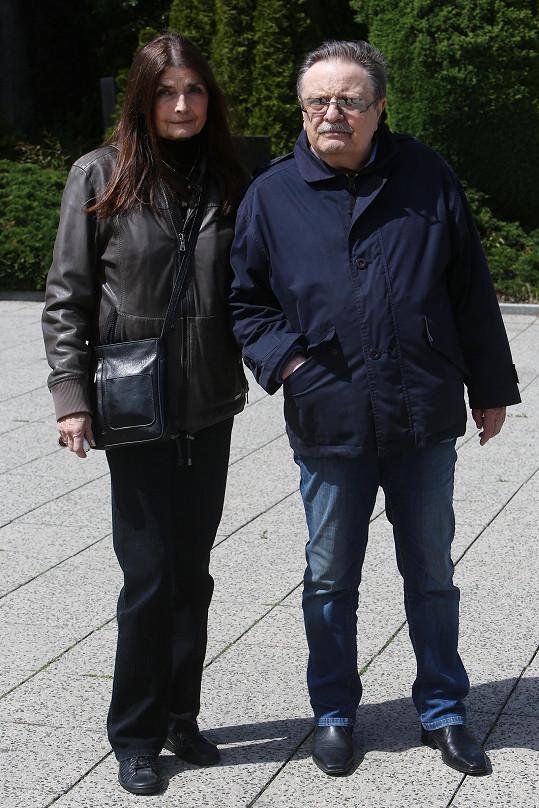S manželem Petrem Spáleným dodnes koncertují. Mají spolu jednu dceru Báru.