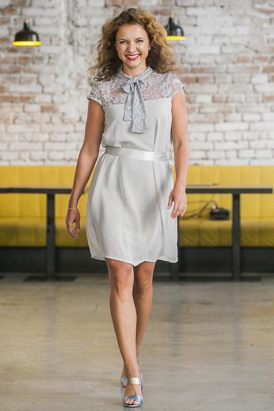 Roli modelky si vyzkoušela i moderátorka Divošek Andrea Košťálová.