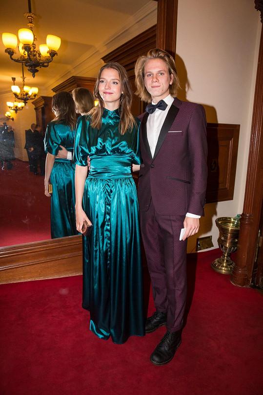 Od rozchodu s herečkou Simonou Lewandowskou se žádnou novou partnerkou nepochlubil.