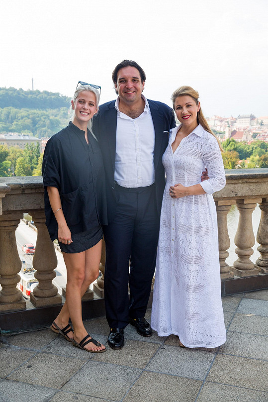 Terezie Kovalová s Adamem Plachetkou a Kateřinou Kněžíkovou na tiskovce ČT
