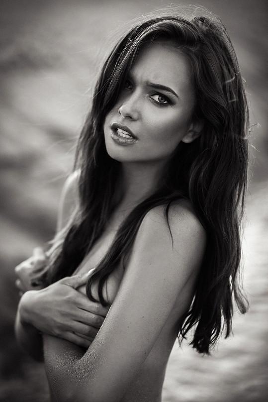 Jako modelce se jí daří, bohužel kvůli koronaviru přichází o zakázky.