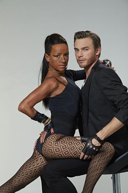 Vojta Dyk ji doprovodil i při duetu Ciary s Justinem Timberlakem.