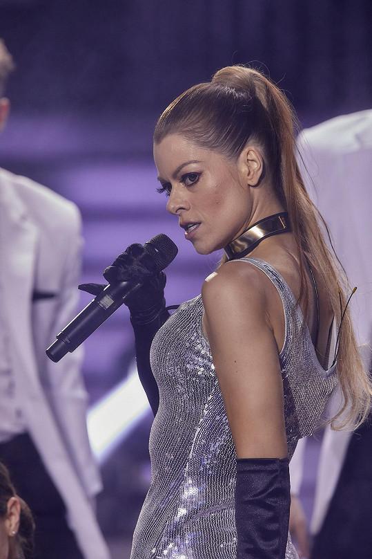 Hana Holišová se proměnila v Jennifer Lopez.