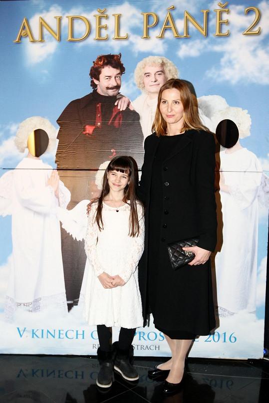 Charlottka s maminkou Ivanou na premiéře