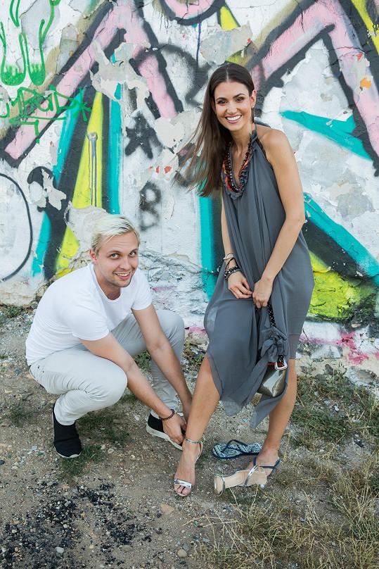 Po nějaké době Lucii na den do Prahy přivábil její PR manažer Pavel Plecháč, aby tu nafotila fotky pro své portfolio.