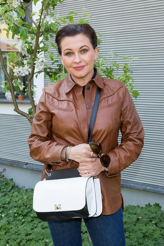 Dana Morávková vyrazí v létě s manželem také na kola.