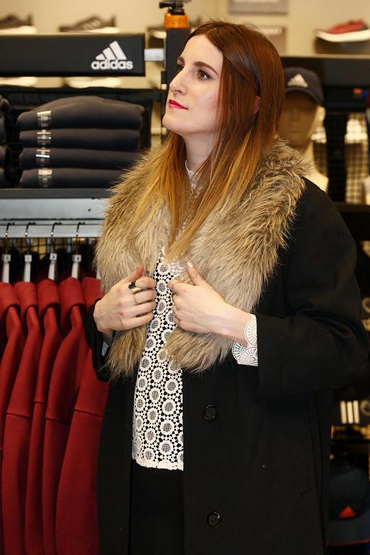 Klára Vytisková na otevření obchodu se sportovní módou