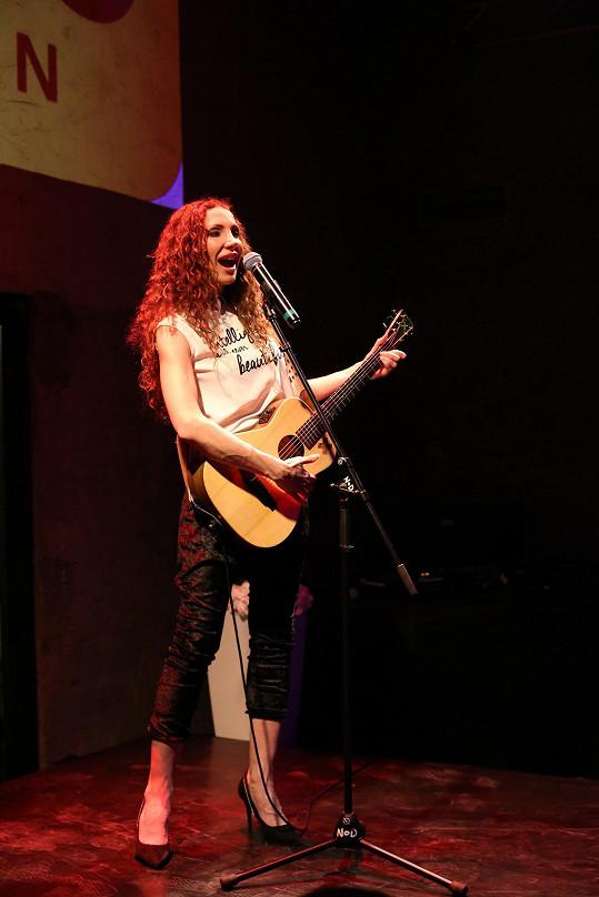 Během večera vystoupila také zpěvačka Olga Lounová.