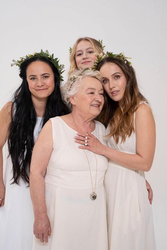 Tři generace