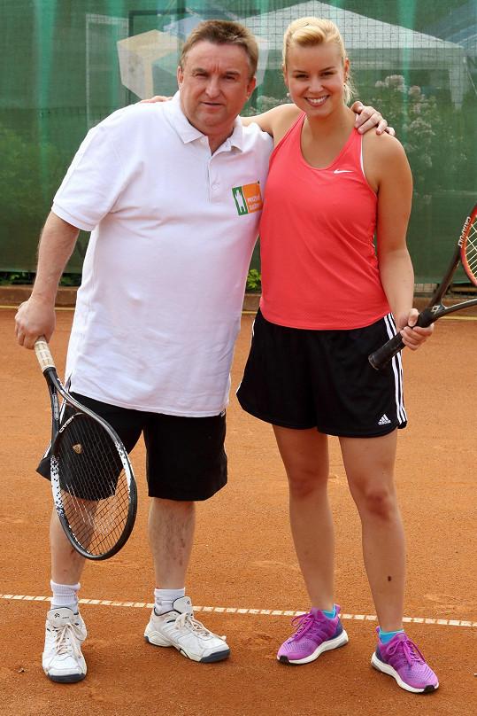 S Jaroslavem Sypalem vytvořila tenisový pár.